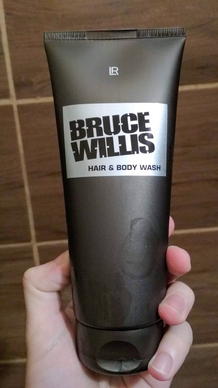 bruce-willis-hair-and-body